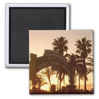 Puesta del sol en el imán de Santa Mónica