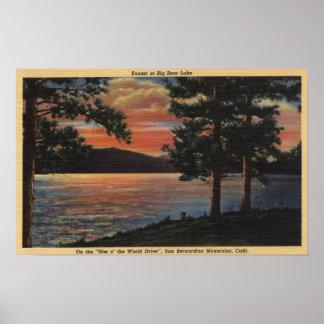 Puesta del sol en el lago big Bear Póster