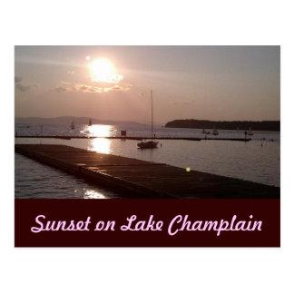 Puesta del sol en el lago Champlain Burlington Ver Postal