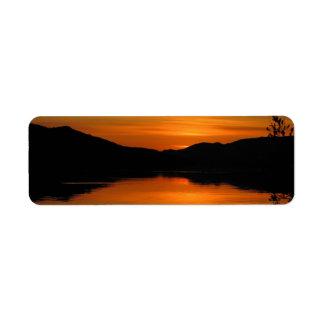 Puesta del sol en el lago Fox Etiquetas De Remite