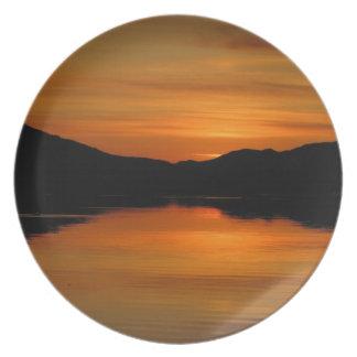 Puesta del sol en el lago Fox; Ningún texto Plato Para Fiesta