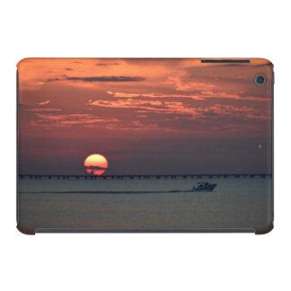 Puesta del sol en el lago - mini caso del iPad Funda Para iPad Mini Retina
