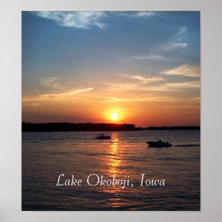 Puesta del sol en el lago Okoboji Iowa Poster