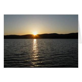 Puesta del sol en el lago Onota: Horizontal Tarjeta De Felicitación