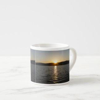 Puesta del sol en el lago Onota: Horizontal Taza Espresso