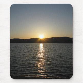 Puesta del sol en el lago Onota: Vertical Alfombrillas De Raton