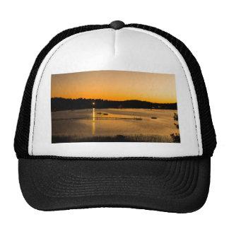 Puesta del sol en el lago Pickerel Gorra