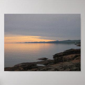 Puesta del sol en el lago Superior Poster