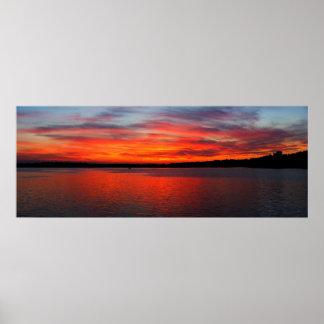 Puesta del sol en el panorama del oeste del lago póster