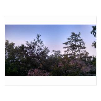 Puesta del sol en el parque de estado de la cueva tarjetas postales