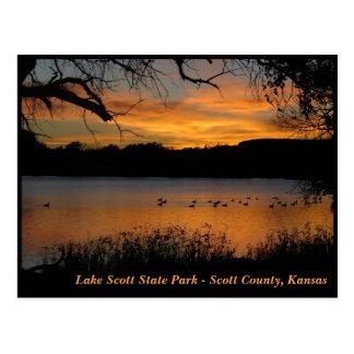 Puesta del sol en el parque de estado de Scott del Postal