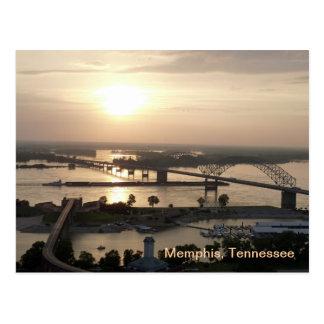 Puesta del sol en el río Misisipi Postal