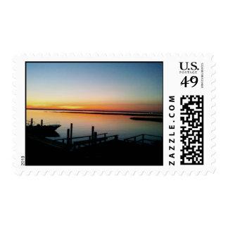 puesta del sol en el sello de la orilla de NJ