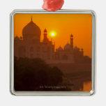 Puesta del sol en el Taj Mahal Adorno Navideño Cuadrado De Metal