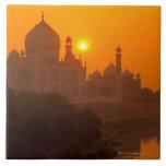 Puesta del sol en el Taj Mahal Azulejo Cuadrado Grande