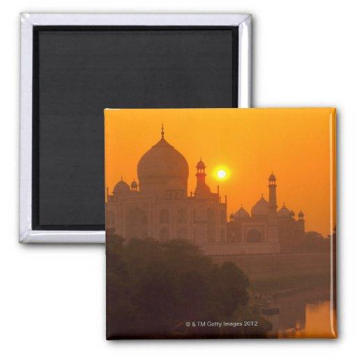 Puesta del sol en el Taj Mahal Imanes