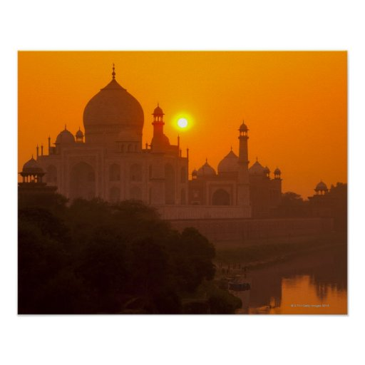 Puesta del sol en el Taj Mahal Poster
