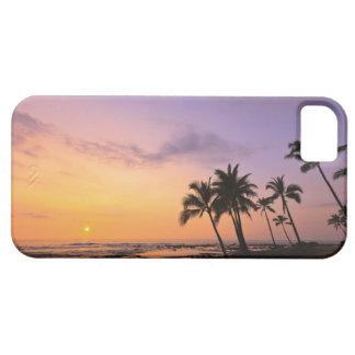 Puesta del sol en la bahía de Kahaluu en Kona, iPhone 5 Funda