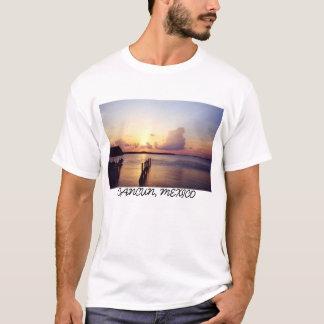Puesta del sol en la camiseta de Cancun