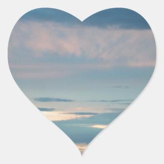 Puesta del sol en la carretera Alaska de Seward Pegatina En Forma De Corazón
