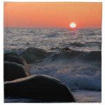 Puesta del sol en la costa de mar Báltico