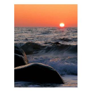 Puesta del sol en la costa de mar Báltico Tarjetas Postales