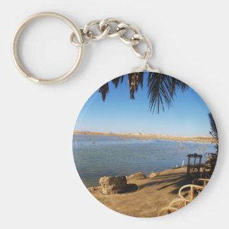 Puesta del sol en la isla de Fatnas, oasis de Siwa Llavero Personalizado