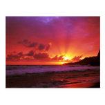 Puesta del sol en la isla tarjeta postal