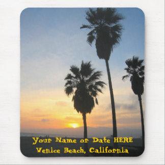 Puesta del sol en la playa California de Venecia Alfombrillas De Ratón