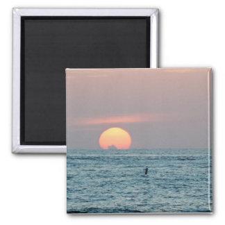 Puesta del sol en la playa de St Petersburg, imán