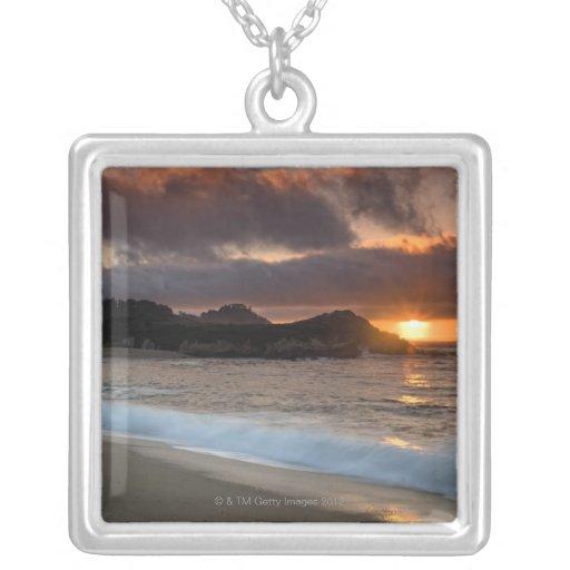 Puesta del sol en la playa del monasterio, Carmel, Grimpola