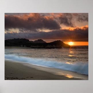 Puesta del sol en la playa del monasterio, Carmel, Póster