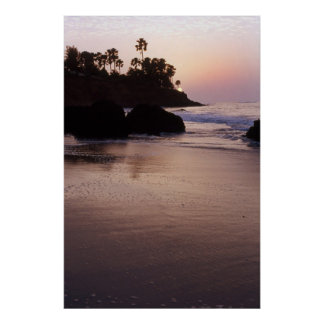 Puesta del sol en la playa en la Gambia Posters