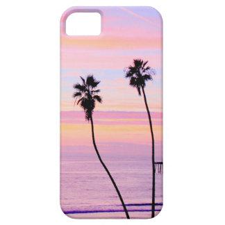Puesta del sol en la playa funda para iPhone 5 barely there