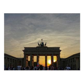 Puesta del sol en la puerta de Brandeburgo, Berlín Tarjetas Postales