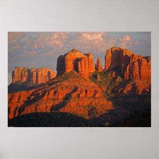 Puesta del sol en la roca 394 de la catedral impresiones