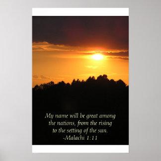 Puesta del sol en las colinas póster