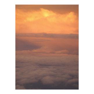 Puesta del sol en las nubes comunicado personalizado