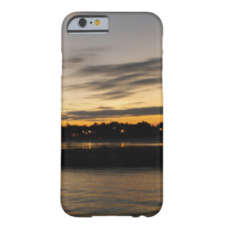 Puesta del sol en Mississippi Funda Barely There iPhone 6