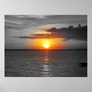 Puesta del sol en paraíso posters