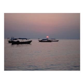 Puesta del sol en Sihanoukville, Camboya Postales