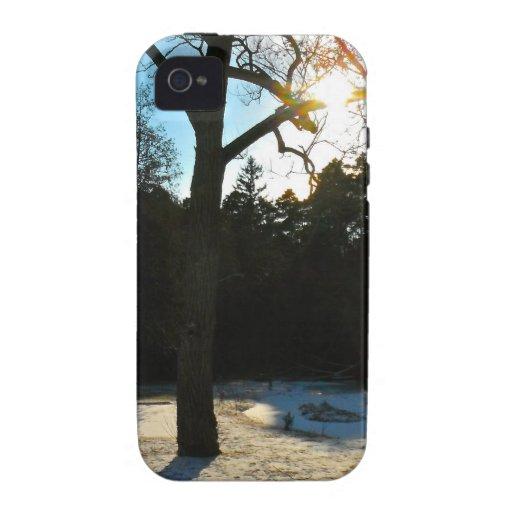 Puesta del sol en un día de inviernos iPhone 4 fundas