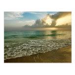 Puesta del sol en una playa de Ana Maria Tarjetas Postales