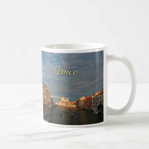 Puesta del sol en Venecia Italia Taza Básica Blanca