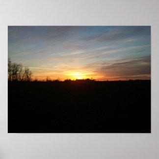 Puesta del sol fuera del poster de Grand Forks Dak