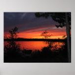 Puesta del sol grave del lago posters