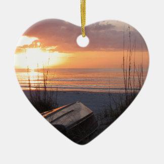Puesta del sol hermosa de la Florida con el barco Adornos De Navidad