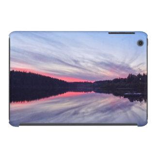 Puesta del sol hermosa del desierto sobre la foto funda de iPad mini