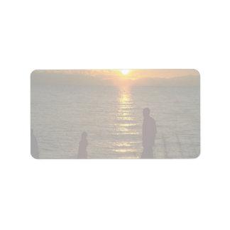 Puesta del sol hermosa: El lago Malawi, Malawi Etiqueta De Dirección