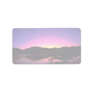Puesta del sol hermosa El lago Mead Nevada Etiquetas De Dirección